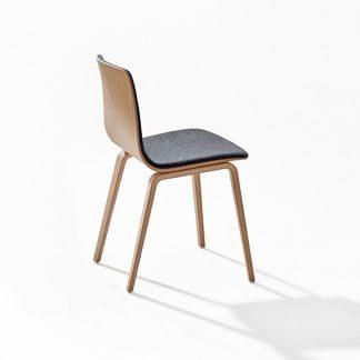 Prachtig in zijn eenvoud de Aava stoel van Arper