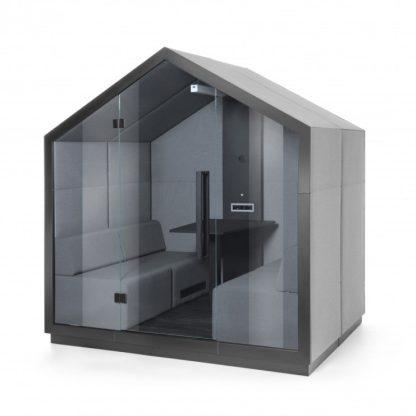 Bejot-Treehouse-akoestische-vergaderruimte-met glazen deur