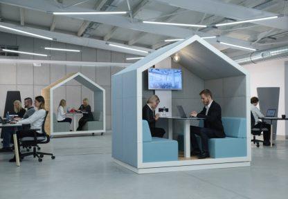 Ideaal voor geconcentreerd overleg in een kantoortuin de akoestische treehouse unit