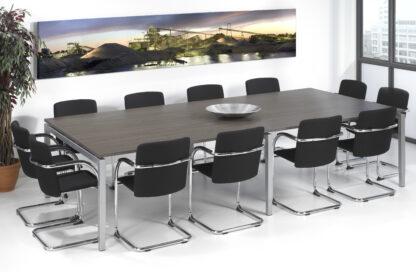 Grote vergadertafel met ruimte tot 12 personen
