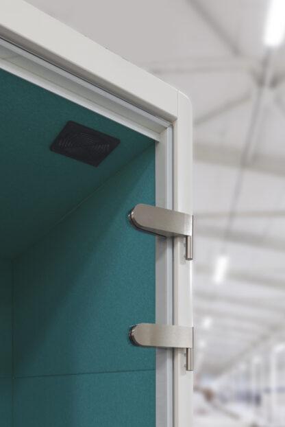 Detail glazen deur belcel - ventilatot is optioneel tegen meerprijs te bestellen